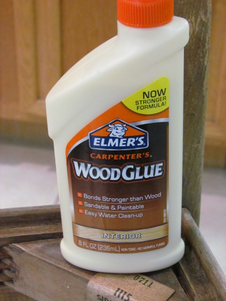 It started with this: The veneer was curling up in one corner of the chair. backrest. I decided to give this Wood Glue a go.